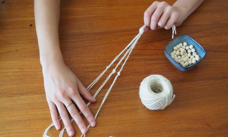 thread-hands-tensioned